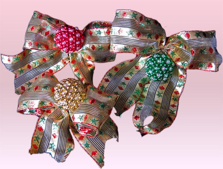 Terearte mo os navide os decorados con bolitas tejidas for Monos navidenos